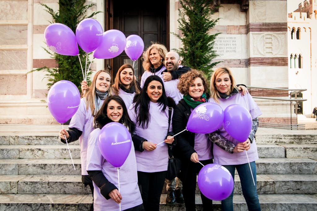 La Presidente dell'Associazione Mariella Falsini, con alcuni collaboratori